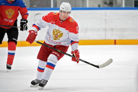 Предопределен да печели: Хокейните нощи на Путин