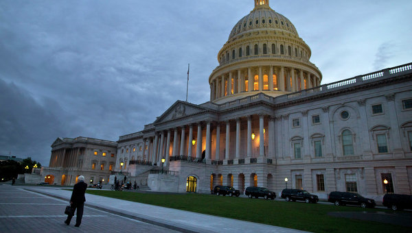 В САЩ обвиняват Обама в подкуп от Ходорковски