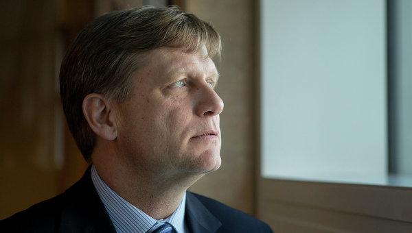 """Бившият американски посланик в РФ: САЩ трябва """"да обуздаят Русия"""""""