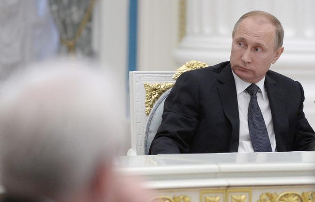 Путин призова за развитие на страната въз основа на опита от предните поколения, но не и да се живее в миналото