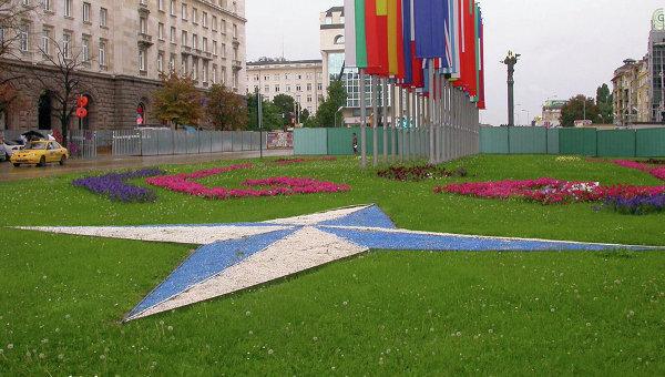 Русия и НАТО обсъждат провеждането на двустранна среща