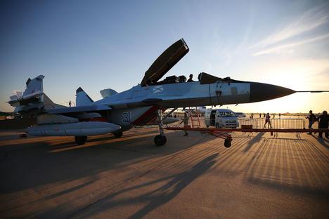 Русия пуска в действие първите палубни изтребители МиГ-29К/КУБ