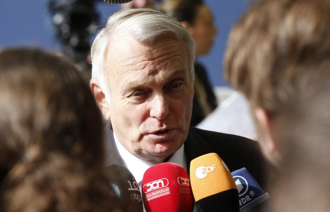 МВнР на Франция: ЕС ще удължи санкциите срещу Русия с още половин година