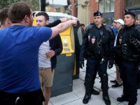 Френската полиция задържа двама руски и двама украински футболни фенове