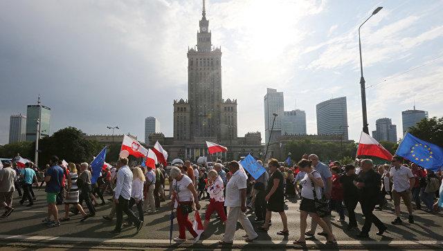 """FAZ: Полша провежда """"антируска мобилизация"""" в навечерието на срещата на върха на НАТО"""