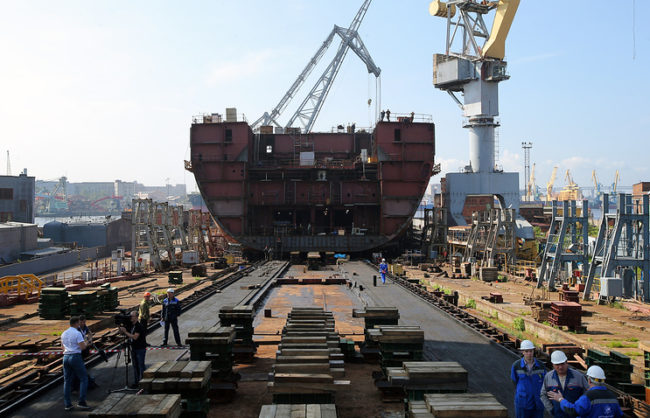 """В Русия започна строителството на ядрения ледоразбивач """"Урал"""""""
