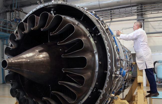 В Русия създадоха авиационен двигател за полети в близкия космос