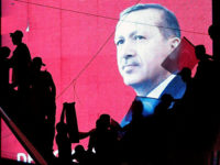 "Al-Monitor: Ердоган може сам да е организирал ""фалшивия преврат"""