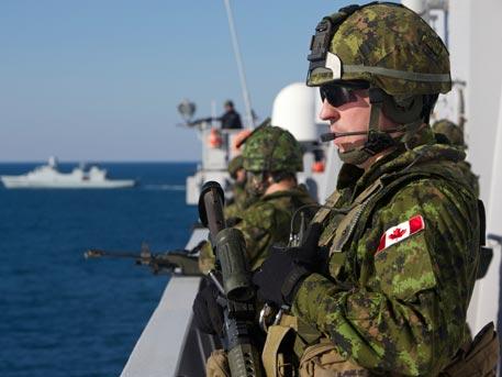 Канада изпраща хиляда военни на границата с Русия