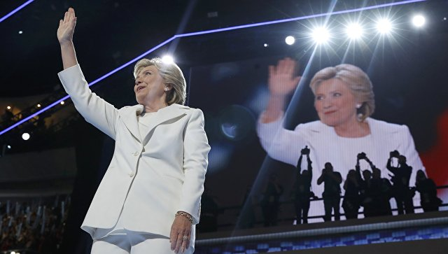 """Клинтън заяви подкрепата си към НАТО в борбата с """"руската заплаха"""""""
