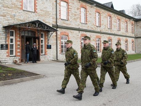 НАТО отпуска допълнителни 64 млн. евро за развитие на базата си в Естония
