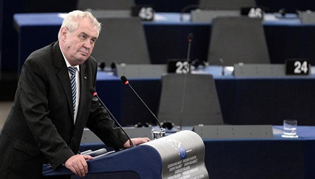 Президентът на Чехия предлага референдум за членството на страната в ЕС и НАТО