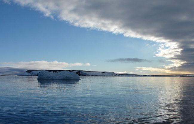 Русия ще построи и реконструира десет летища в Арктика