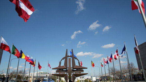 FT: НАТО готви нова концепция в отговор на заплахата от хибридна война