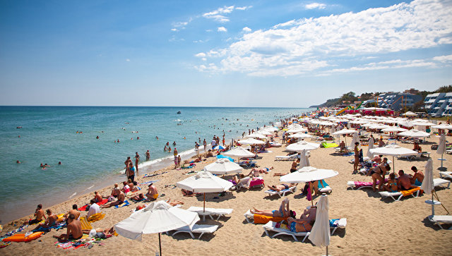 Укрепването на рублата води до повече ранни резервации на руските туристи в чужбина, включително в България