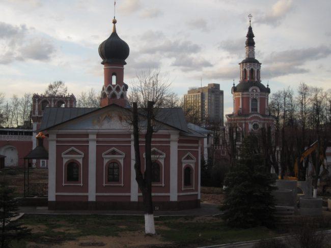 В манастира на Донските казаци