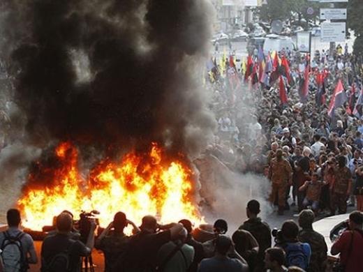 Украйна се разпада на части: в Европа признаха, че Порошенко не контролира страната