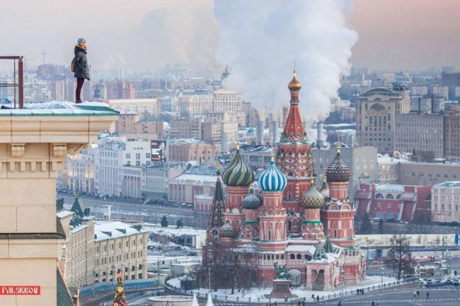 Тя винаги стои високо. Ангела от Москва