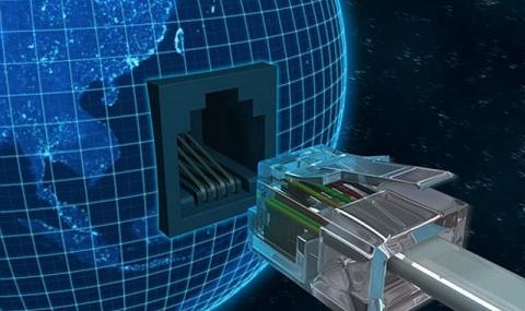 Хакер: Русия  не е отговорна за проникването в сървърите