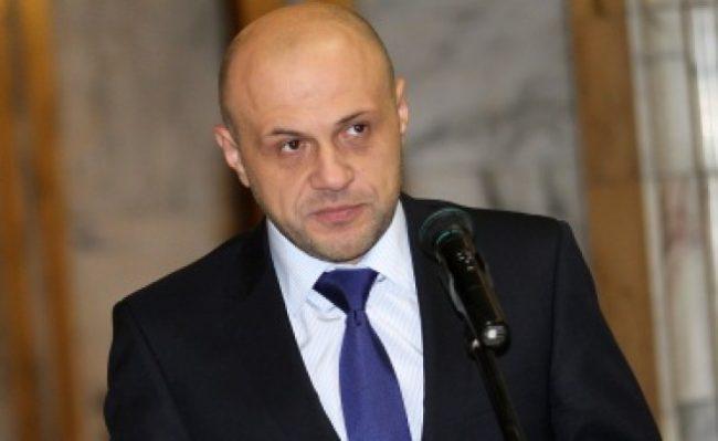 Раздор в кабинета по отношение на Русия