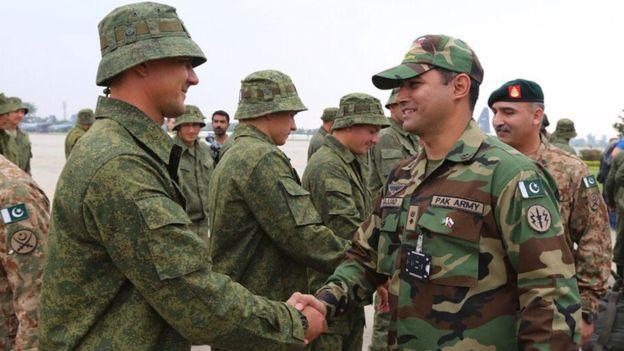 Москва и Пакистан провеждат първите си съвместни военни учения