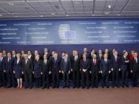(161020) -- BRUSSELS, Oct. 20, 2016 (Xinhua) -- European Union leaders pose for family photos during an EU Summit at its headquarters in Brussels, Belgium, Oct. 20, 2016. (Xinhua/Ye Pingfan)
