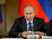 Путин уволни обвинения в корупция министър на икономиката