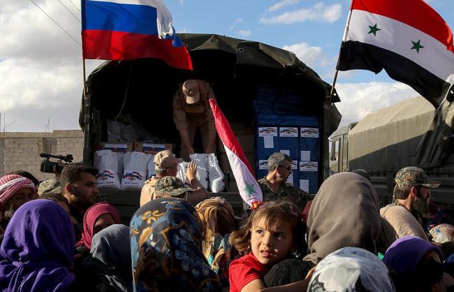 Руски ученици събраха 42 тона подаръци за децата в Сирия