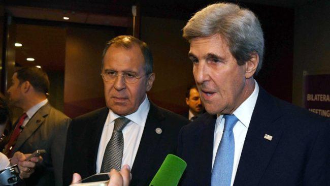 Последата среща на Джон Кери (вдясно) със Сергей Лавров миналия месец. / БГНЕС
