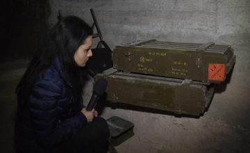 """Репортерът на """"Труд"""" Диляна Гайтанджиева откри оръжие, произведено от ВМЗ-Сопот, в склад на бунтовниците в Алепо."""