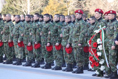 Почетната рота на Плевенския гарнизон Снимка: Десислава Бонева