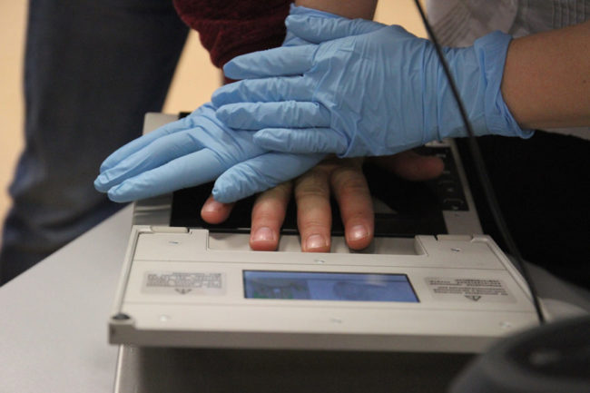 Русия ще снема пръстови отпечатъци на чужденците, влизащи в страната