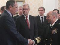 Адмирал Джеймд Ставридис и руският външен министър Сергей Лавров в Москва през 2010 година. / БГНЕС