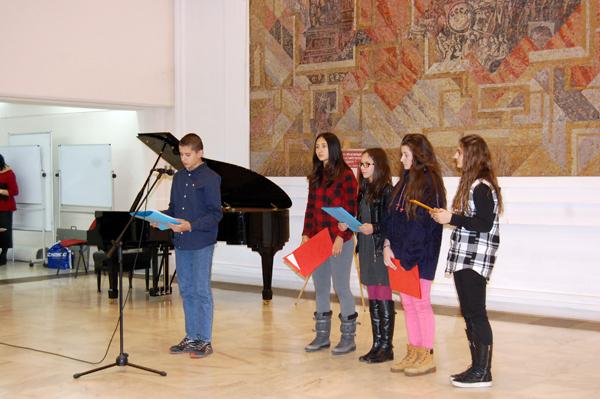 Ученици четоха свои есета, вдъхновени от знаменитите писма на акад. Дмитрий Лихачов до младите читатели