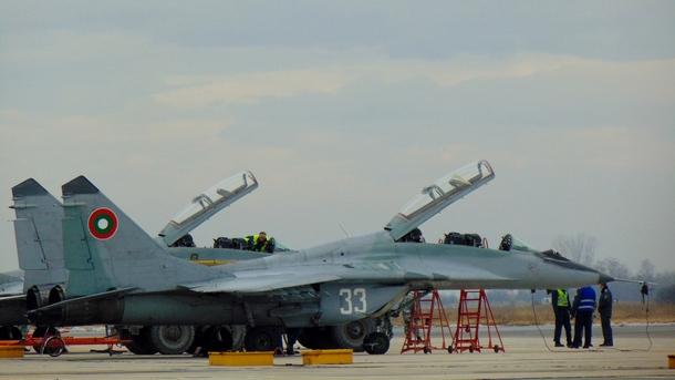 През април се очаква първата доставка на самолетни двигатели за ВВС по договора с Русия
