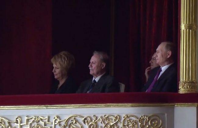 Путин присъства на постановка в Малий театър в Москва