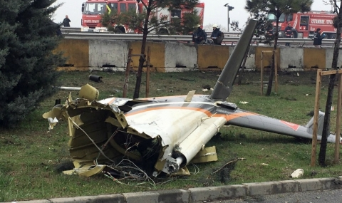 Хеликоптер с руски граждани на борда се разби в Истанбул