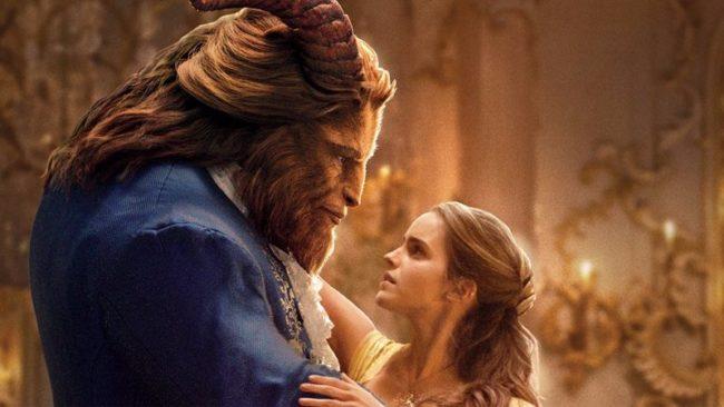 """Гей героят в """"Красавицата и Звяра"""" предизвика гнева на християни в САЩ и Русия"""