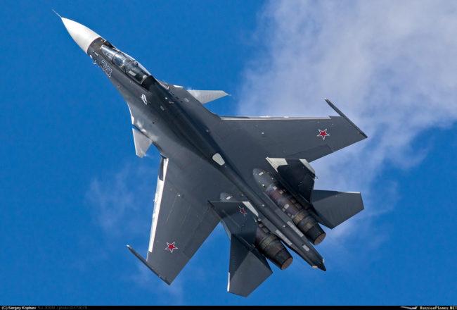 Морската авиация на Русия ще получи два изтребителя Су-30СМ до края на април