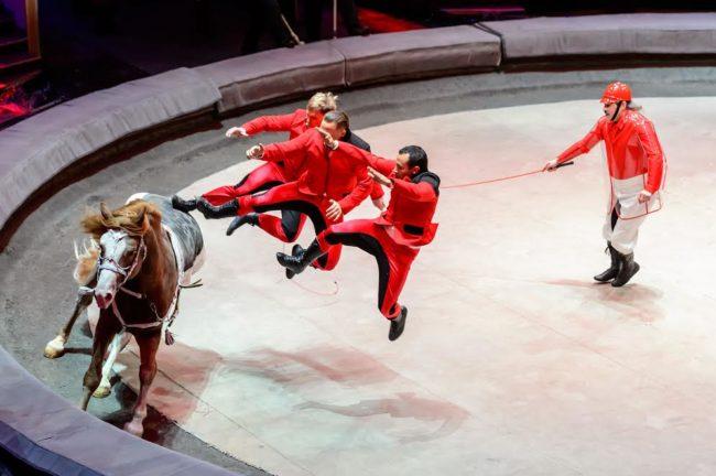 Любимият цирк на Путин идва в България