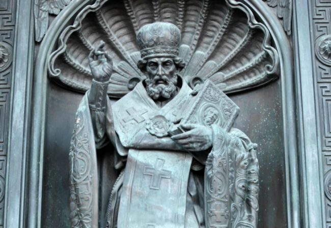 За първи път от близо 1000 години: Пренасят част от мощите на Свети Николай от Бари в Москва