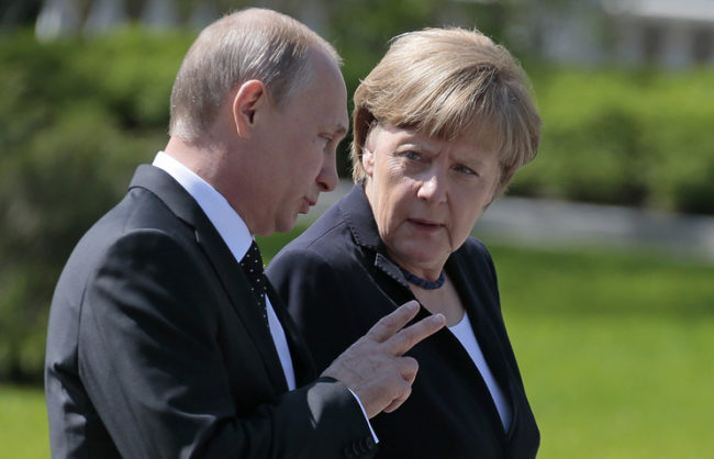 Путин и Меркел се срещат в Сочи