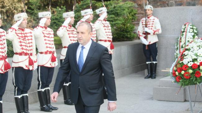 Румен Радев поздрави Путин с Деня на Победата и отдаде почит на руските герои, спасили света от нацизма