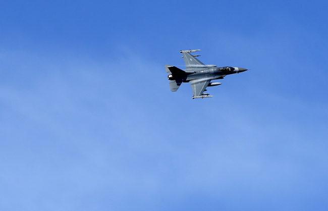 Истребител F-16 © AP Photo/Mindaugas Kulbis