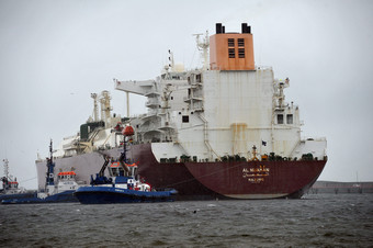 С такива танкери, пълни с американски втечнен газ, Литва и Полша смятат, че ще преодолеят зависимостта си от руските доставки. Цената на това мероприятие засега обаче излиза твърде солена. Снимка БГНЕС