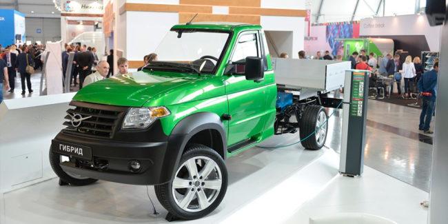 УАЗ представи първия си хибриден автомобил