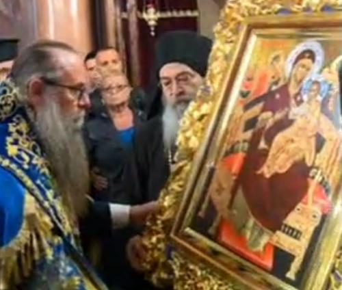 Родопското село Хвойна посреща част от покрова и ризата на Св. Богородица