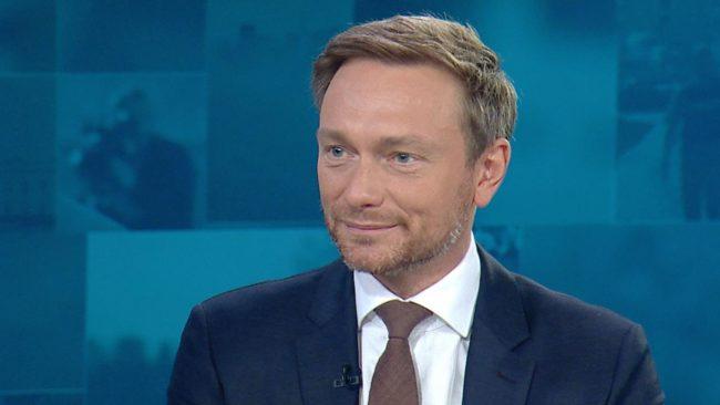 Немски лидер: Може би трябва да приемем анексирането на Крим