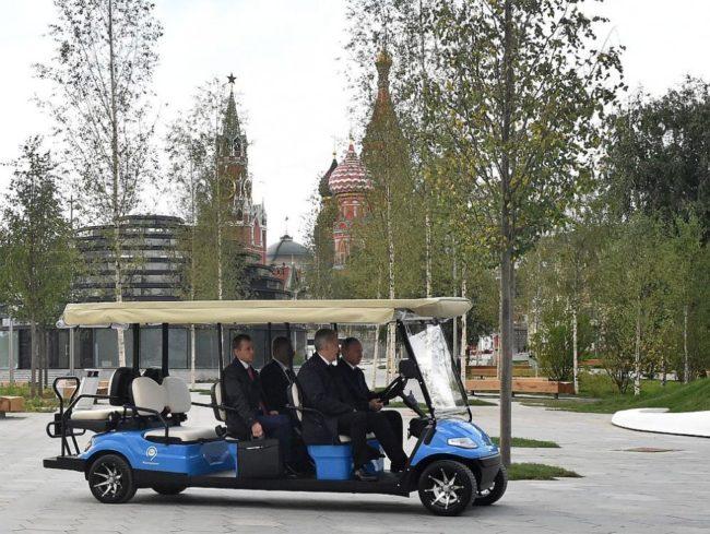 Откриха нов парк в Москва за юбилея на руската столица (СНИМКИ/ВИДЕО)