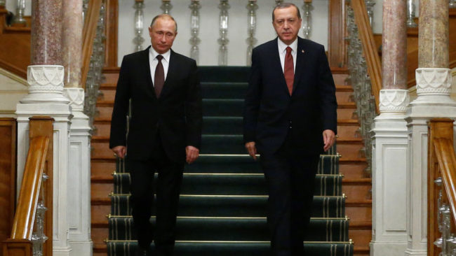 Снимка от срещата на президентите на Турция и Русия, Реджеп Тайип Ердоган и Владимир Путин, в Истанбул на 10 октомври миналата година.